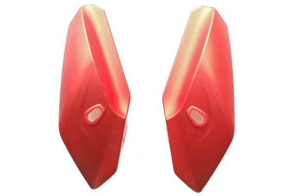 Boční plast masky L+P XRS01/XRS02 - červený